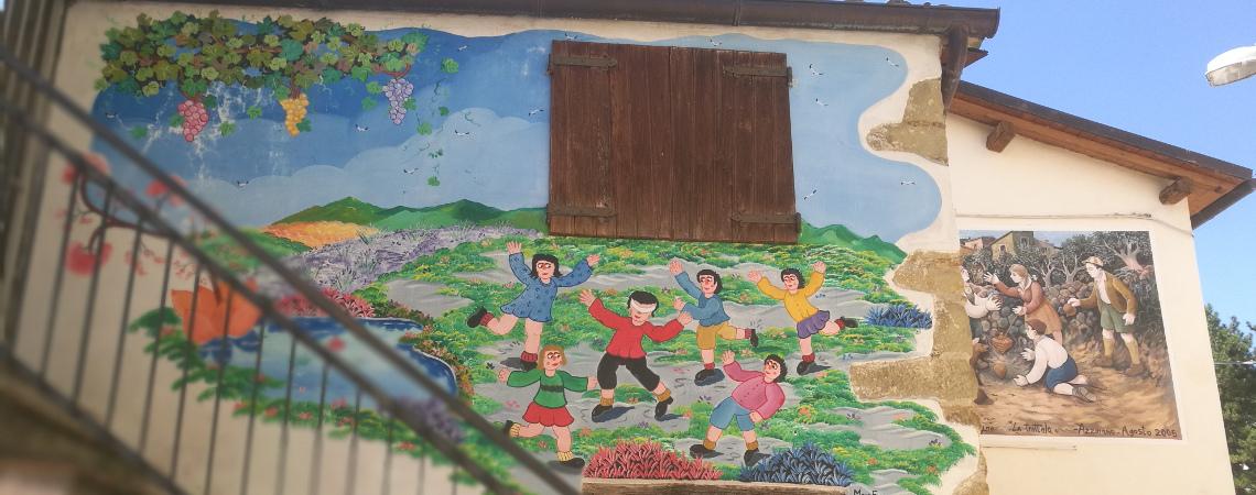 Azzinano – lille bjerglandsby fuld af vægmalerier